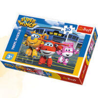 Trefl Puzzle Friends in front of the hangar 30 kom